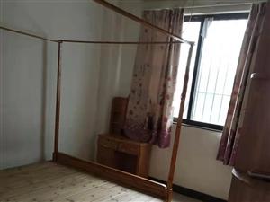 連南橋側羅江苑3室2廳1衛1000元/月