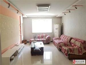 钻石铭城3室2厅1卫1200元/月,精装全齐