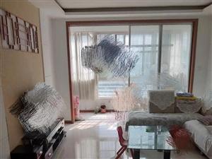 海岱北苑1楼103平3室1300元/月中装修