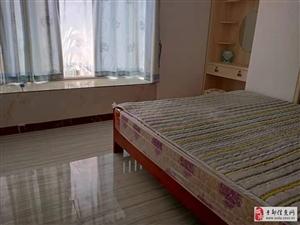 六小附近2室1厅1卫1300元/月