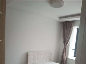 御水华府3室1厅1卫1800元/月包物业。