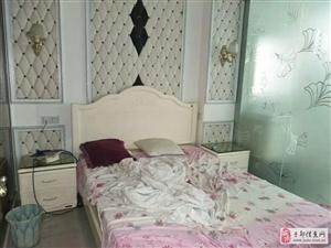 长征广场附近3室2厅2卫1200元/月