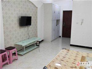 香槟大道2室1厅1卫8000元/月