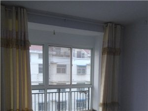 2室1厅2卫900元/月