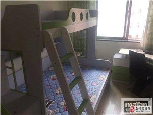 芳馨苑3室2厅1卫1800元/月