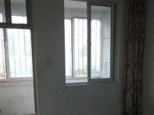 世纪新村居民1楼90平家具齐全12000元