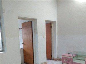 城东前进路2室1厅1卫550元/月