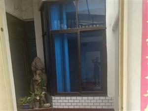 天庆街唐安西路一楼一单元101室整年出租