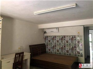 秀峰华庭1室1厅1卫800元/月
