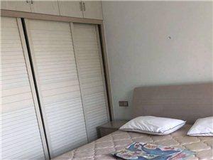 北湖上城2室2厅2卫精装修1400元/月