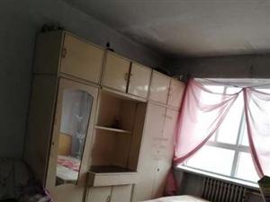 双鹰生活西区2室,水电双气,不临不把,带小房