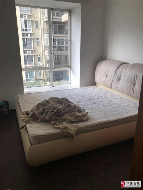 4個床及床墊沙發