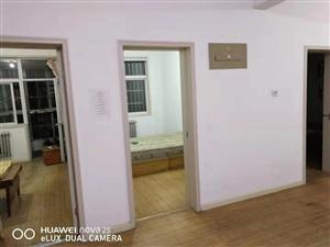 东阳城3居室,家具齐全,带空调3室2厅1卫1200元/月