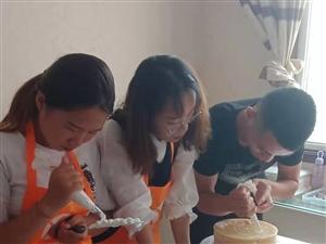 济宁西点烘焙技术培训学校,济宁各式饮品奶茶技术培训