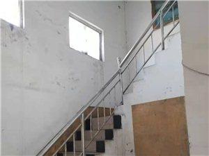 高邑汽车站附近二楼6间房间出租,全年8000