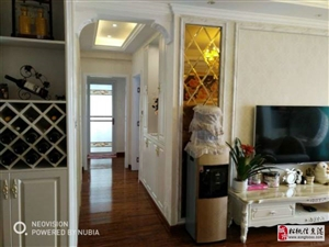 宝润国际3室2厅1卫送搭建好顶楼58.8万元