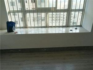 晶宫天悦三室一厅设施齐全拎包入住还包物业看房方便