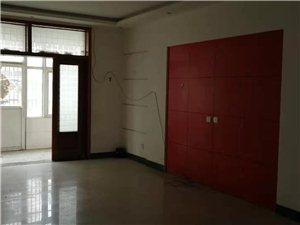 平安医院3室2厅2卫1100元/月