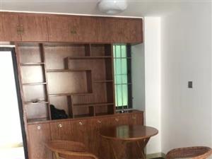 盛世皇冠2室1厅1卫1800元/月拎包入住