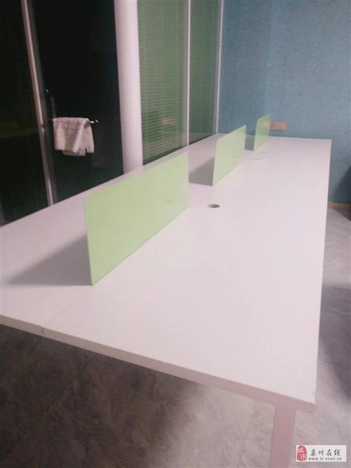 出售高档老板桌一套、办公桌等