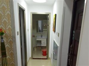 亚澜湾2室2厅1卫1700元/月拎包入住
