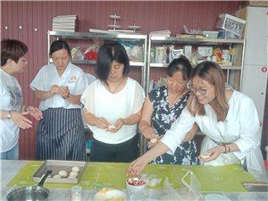 菏泽正规的烘焙培训学校,菏泽蛋糕裱花西点技术培训