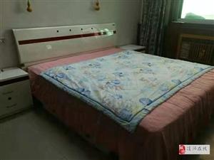 金太阳公寓3室2厅2卫拎包入住1300元/月