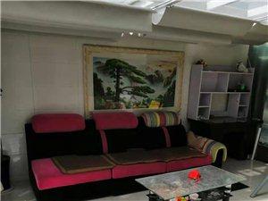 日晖小区精装3室2厅1800元/月,一楼,