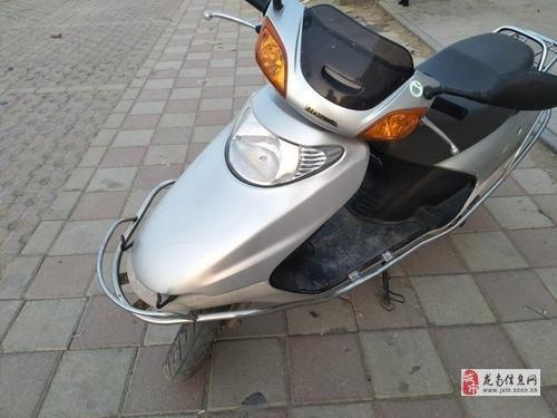 個人收一輛本田喜悅100cc踏板摩托車