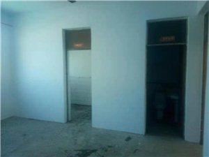 东城商场附近2室1厅一口价10万出售