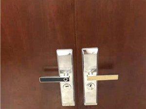 博兴县24小时上门开锁电话,换锁芯配汽车钥匙多少钱