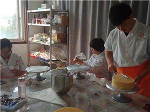 滕州裱花西点培训学校,滕州面包烘焙蛋糕甜点技术培训
