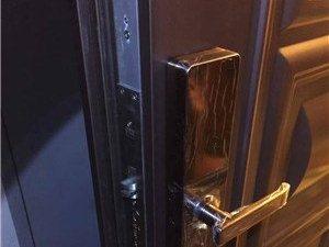 滨城区附近开锁换锁电话_上门配汽车钥匙多少钱