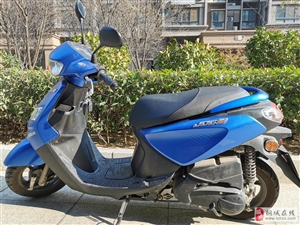 出售摩托�,于2018年5月�入,至今公里���897公里,��r非常好,手�m�R全,由于不常使用,故�D�