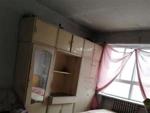 双鹰小区2室,带小房,水电双气,单价七千多