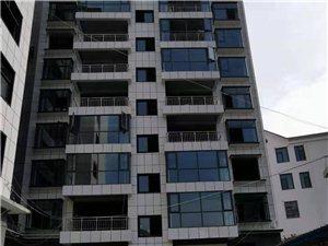 梧桐新城有三室��d房子出售