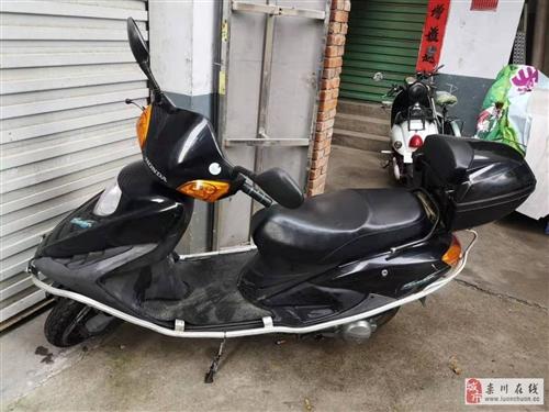 豪爵125,踏板摩托出售,黑色