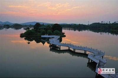花果山湖畔实景