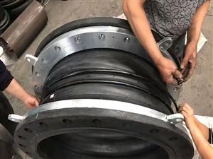 耐酸堿卡箍式橡膠接頭廠家價格