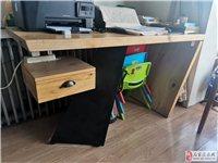 9.8成新家用或者是办公室用实木办公桌个性上档次