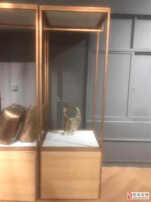 便宜處理六個展示架配大理石面和儲存柜