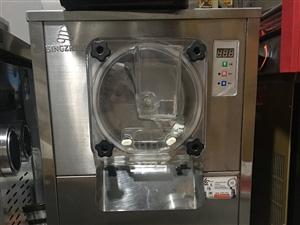 九成新台式冰淇淋机
