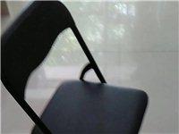 黑色折叠靠背椅、塑料方凳、投影仪九成新