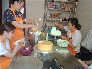 汶上正規西點烘焙培訓學校,汶上蛋糕裱花甜點慕斯培訓