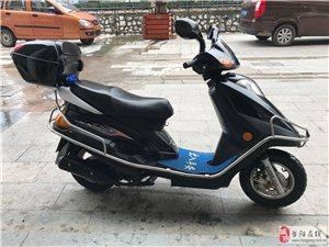 8成新豪爵踏板125CC摩托车出售~