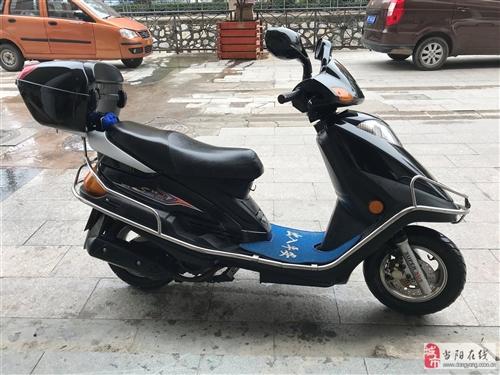 8成新豪爵踏板125CC摩托車出售~