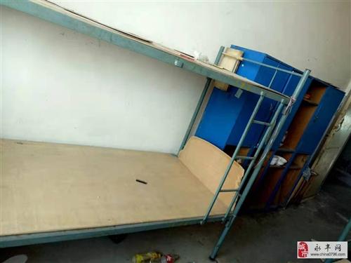 九成新铁架床低价转