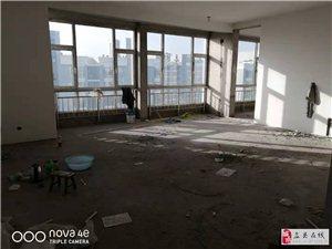 学府苑3室1厅2卫150.9平米