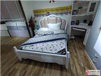 全新1.5米兒童床一張,帶床墊,帶兩個床頭柜出售
