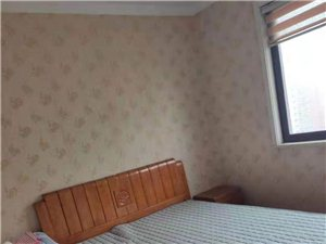 名仕龙城3室2厅1卫2000元/月